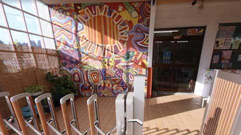 平面アートの正面玄関