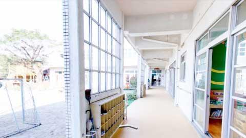 廊下はクッション素材